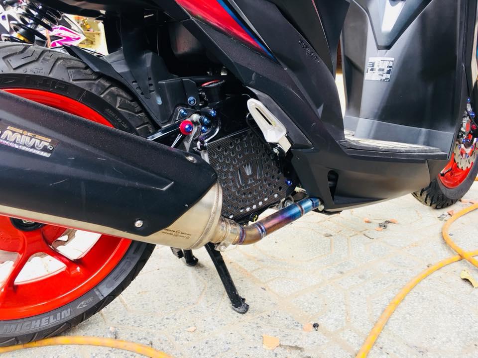 Két nước Carbon fiber gắn honda Vario/Click/Shvn STD-906 CARBONFIBER, Két nước Carbon Fifer gắn honda Vario/Click./Shvn,,  Cực chất, gắn lên thấy xe cứng cáp,đẹp,lạ,...
