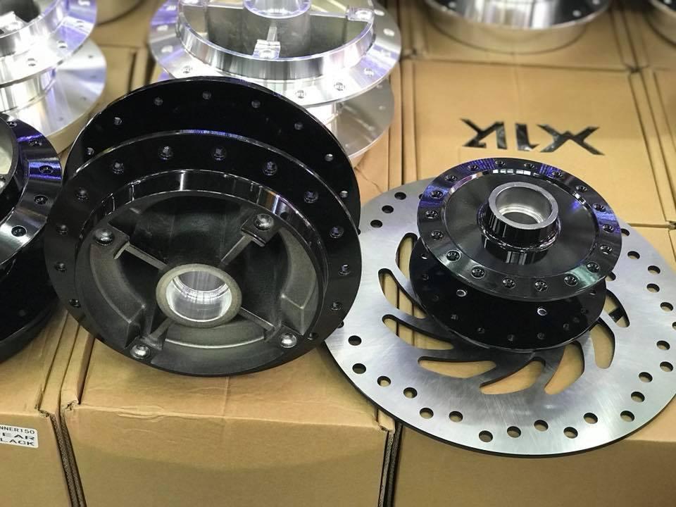 Đùm X1R gắn Winner150 STD-1032 x1r, Đùm X1R gắn Winner 150 (RS150) Gắn như zin ,Tặng đĩa trước bằng size zin 245mm ,kèm 4 ốc đĩa không sét chắc chắn,....mẫu mã đẹp,dành cho ae nào muốn xuôi căm đùm niềng cho nhẹ xe,,....